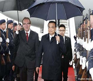 human rights observers - Chinese Prime Minister Li Keqiang arrives in Berlin eu news1
