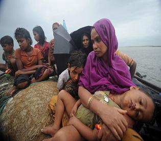 TOPSHOTS Rohingya Muslims, trying to cro