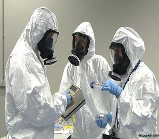 human rights observers eu stepping up fight against nuclear smuggling eu crisis