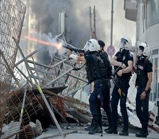 Human rights observers - Clashes in Istanbul extend Erdogan warns no tolerance eu crisis1