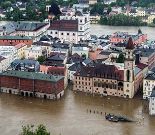 human rights observers - Central Europe hit by floods authorities issued disaster warning eu news1