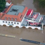 German Flood heads north mass evacuation continues alongside Elbe