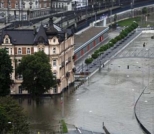 human rights observers - German reinforcements arrive a day after to help its flooded cities eu crisis1