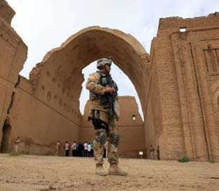 human rights observers - Iraq to restore ancient arch to woo back tourists arab uprising2