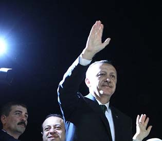 human rights observers - Prime Minister Erdogan calls for end to Turkey protest eu crisis1