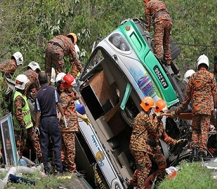 hromedia Bus crash near Malaysian resort claims dozens of lives intl. news1