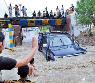 hromedia Pakistan and Afghanistan monsoon floods kill dozens intl. news1
