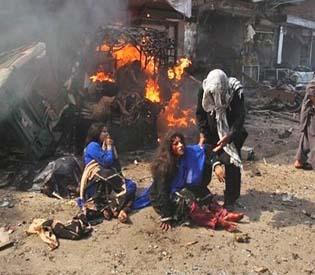 hromedia - Car bomb kills 37 in northwest Pakistan