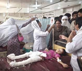 hromedia - Pakistani Christians protest deadly church bombing