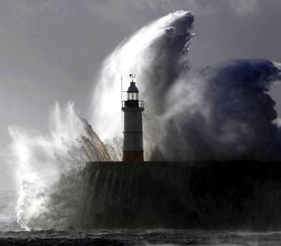 hroemdia At least 13 dead as huge storm sweeps across Europe european crisis2