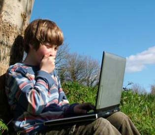 hromedia - Dark Side of 'Chat Rooms' for Troubled Teens Talk of Self-Harm