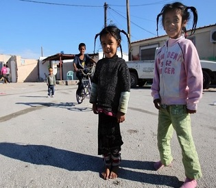 hromedia Greek Gypsies worried about child abduction case european crisis2
