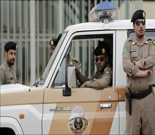 hromedia Saudi Police rescue 16 expat women from isolated area arab uprising2