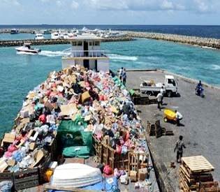 hromedia - Toxic bomb ticks on Maldives rubbish island