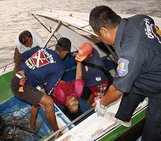 hromedia - 6 tourists killed in ferry accident in Thailand