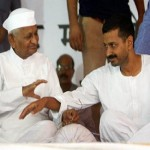 Anna Hazare, Arvind Kejriwal in war of words over money
