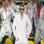 Bieber apologizes after kicking Argentine flag