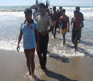 hromedia Boat carrying 70 Muslim Rohingya sinks off Myanmar intl. news2