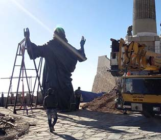 hromedia - In midst of Syrian war, giant Jesus statue arises