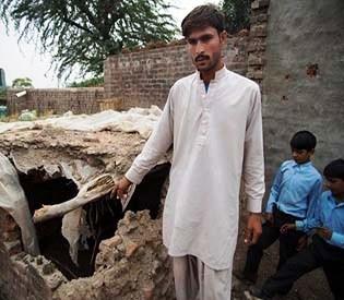 hromedia - India-Pakistan border fights disrupt village life