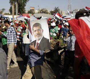 hromedia - Islamists call for dialogue in Egypt after coup