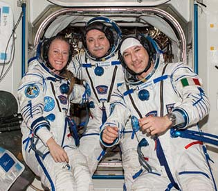 hromedia - Olympic torch returns home from space station