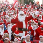 6,000 people dressed as Santa Claus run in Spain