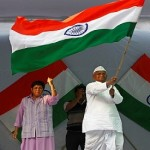 Anna Hazare and Rahul Gandhi bond over Lokpal Bill