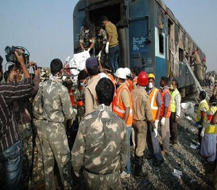 hromedia Fire on express train in southern India kills at least 26 intl. news4
