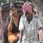 Indian village ban mobiles for unwed girls