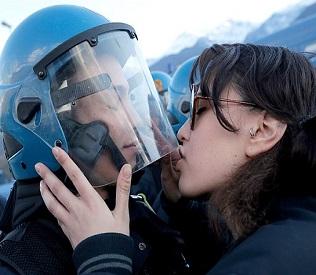 hromedia Italian police want student prosecuted for kissing riot policeman eu crisis2
