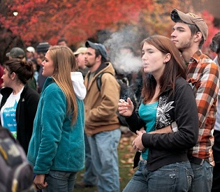 hromedia New Study US Students Smoke Weed Despite Drug Testing at Schools health and fitness2