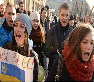 hromedia Tensions rise in Ukraine after Yanukovych supporters pass protest-busting bill eu news4