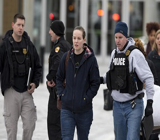 hromedia Three killed in mall shooting outside Washington police intl. news2