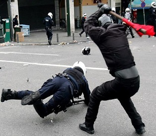 hromedia Greek protesters clash with riot police in Athens eu news3