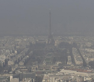 hromedia High levels of air pollution spur Paris to action eu news2