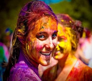 hromedia India celebrates Holi, the Festival of Colors intl. news2