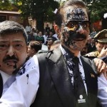 Ink thrown at Indian tycoon Subrata Roy accused of fraud