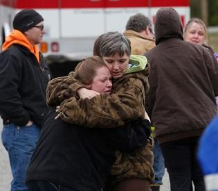 hromedia Officials About 18 missing in Washington mudslide intl. news2