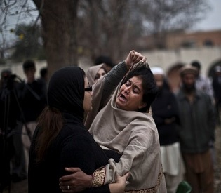 hromedia Suicide bombers attack court complex in Pakistani capital, killing 11 intl. news2