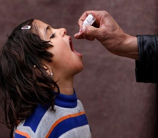 hromedia Massive polio vaccination campaign launched in Syria and Iraq arab uprising2