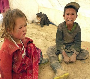 hromedia Afghans mourn as landslide wipes out entire village, 2,250 confirmed dead intl. news2