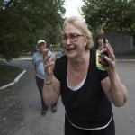 Fighting rages in Ukraine eastern town, at least 40 rebels killed