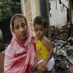 Buddhist mobs attack Muslims in Sri Lanka, Three killed, 75 injured, houses set ablaze