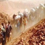 Dramatic photo shows Syrian refugees continue to flee into Jordan