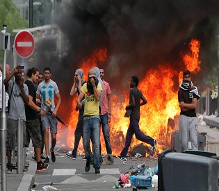 hromedia French youth, police clash at anti-Israeli protest in Paris eu news3