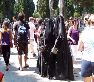 hromedia Spain's Catalonia region to push ahead with burka ban eu news2