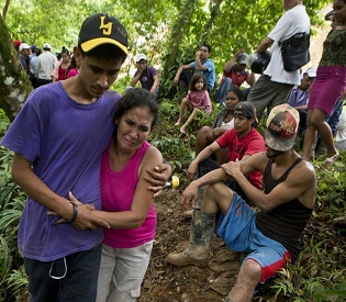 hromedia Rescuers race to reach trapped miners in Nicaragua intl. news2