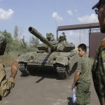 Ukraine rebels getting tanks and reinforcements, says separatist leader