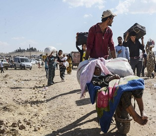 hromedia Fleeing ISIL advance, 60,000 Syrian refugees enter Turkey in one day arab uprising3